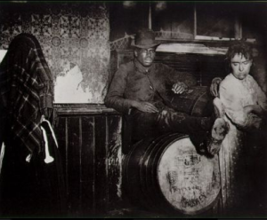 Black-and-tan saloon. Courtesy of Jacob Riis, NYPL Collection